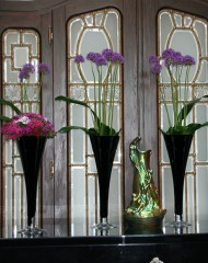 fekete-tolcservaza-kozepes-tall-vases-and-chalices-rental